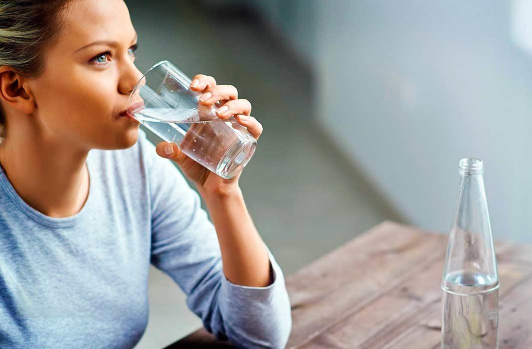 Как приучить себя больше пить воды