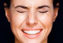Как убрать гусиные лапки под глазами