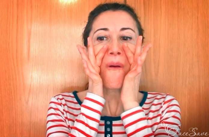 Упражнения для поднятия уголков губ