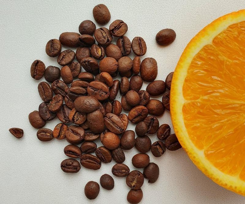 С апельсином и кофе